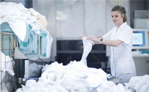 干洗店加盟知名品牌投资洁丰怎么样